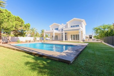 EAPD2032: Villa in Cabo Roig