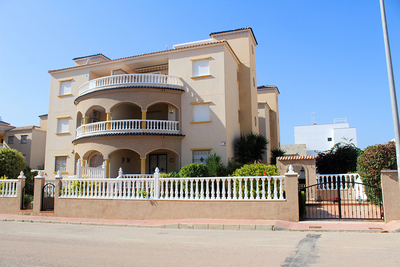 EAPD2086: Apartment in Cabo Roig
