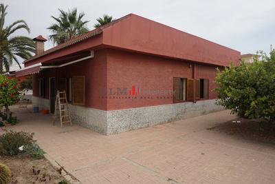 0689SLL: Chalet in Las Lomas del Rame