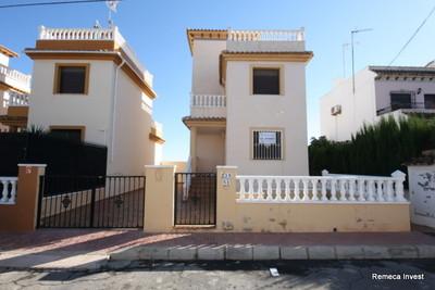 LPREM118: Villa in Torrevieja
