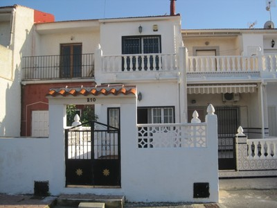 LPRES127: Townhouse in Torrevieja