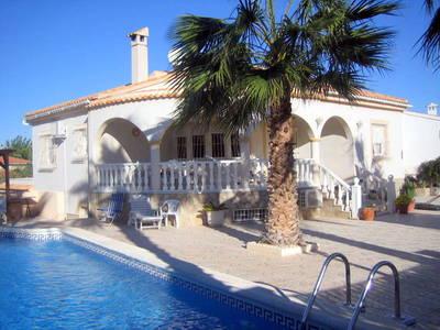 LPERL282-CB: Villa in La Marina