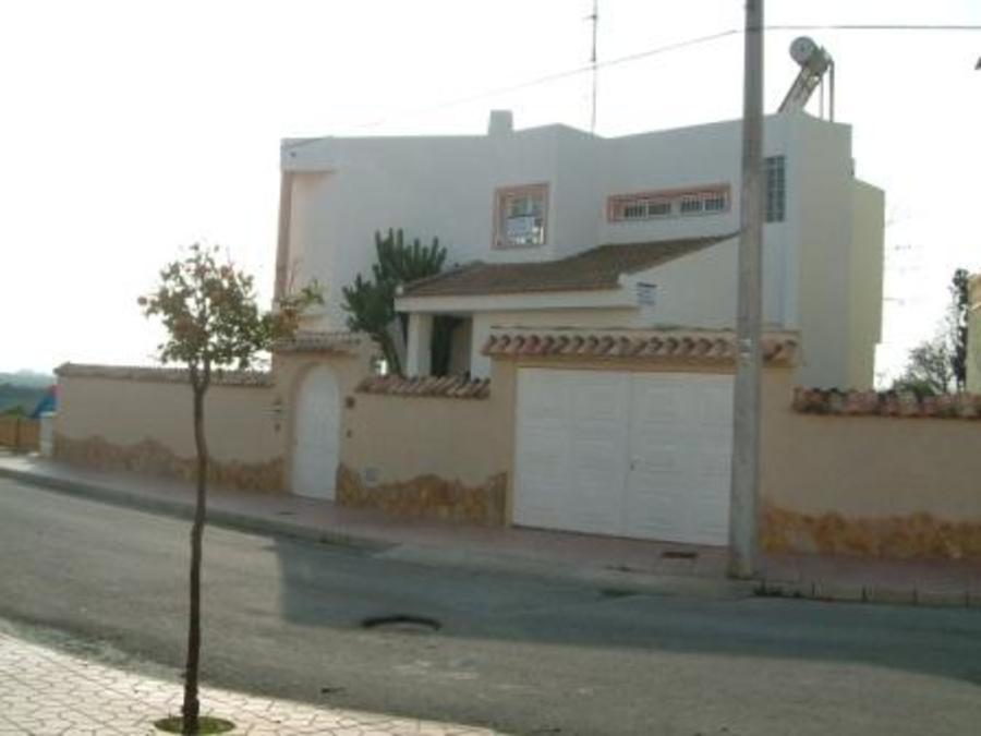 3 BEDROOM LUXURY DETACHED VILLA IN GUARDAMAR, CLOSE TO THE BEACH. 	 	This is a beautiful detached lu, Spain
