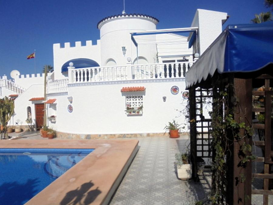 7 BEDROOM FINCA FOR SALE IN LOS ALMENDROS, ORIHUELA COSTA.  The finca has land of 7,000 square met,Spain