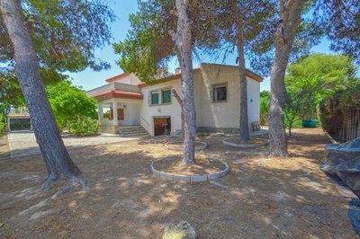 LPETC115: Villa in La Siesta
