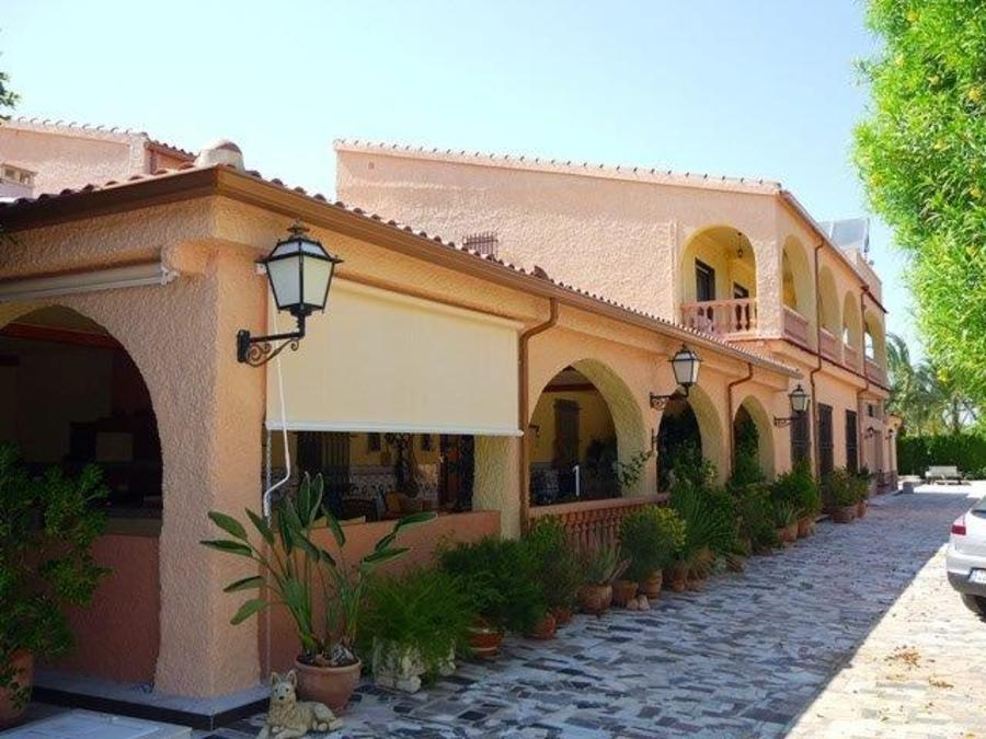 8 Bedroom Elche Finca