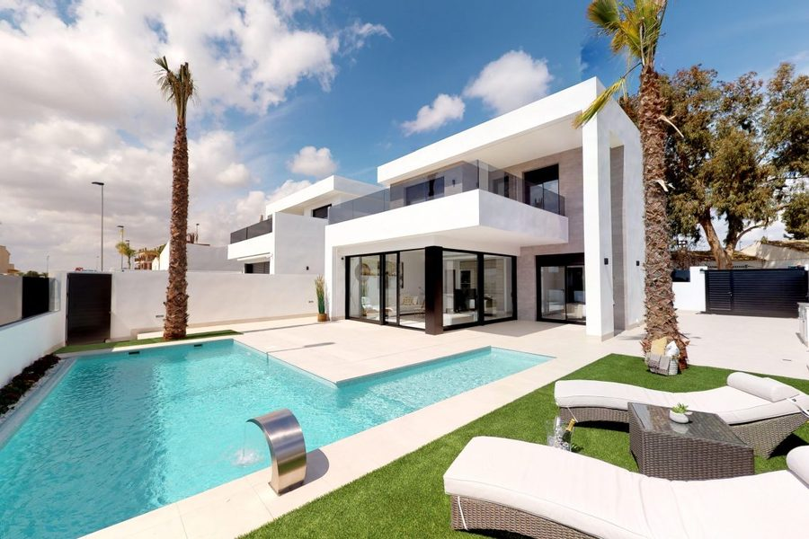 This andlsquo;exclusive' development of private homes is situated in a residential area andndash; cl, Spain