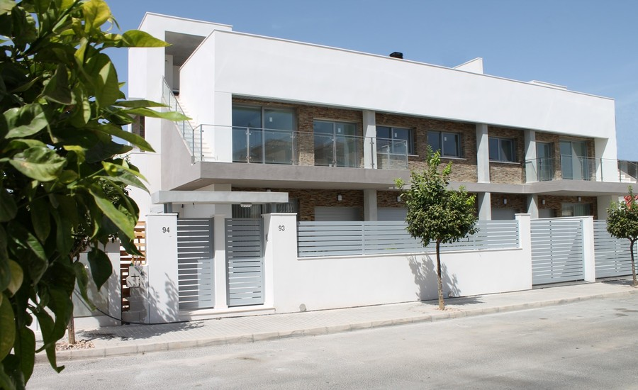 FABULOUS NEW LUXURY APARTMENTS IN TORREVIEJA.  	These new apartments are either 2 or 3 bedroom apart, Spain