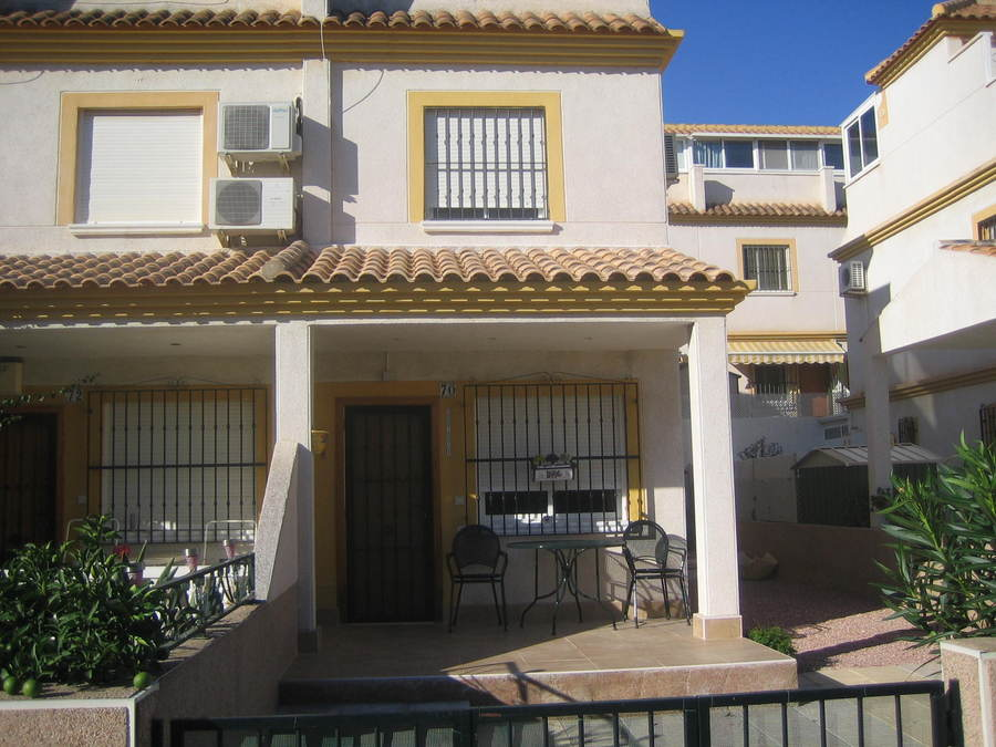 2 bed Townhouse for sale in Algorfa, Spain for €79000 on Ubodo
