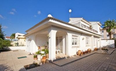 LPVIK118: Villa in La Rosaleda