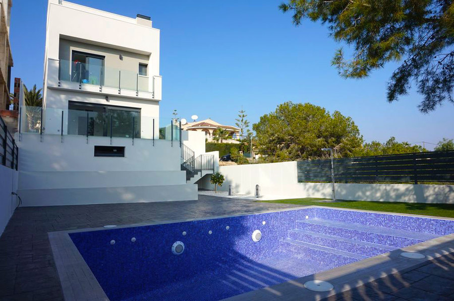 LUXURY 3 BEDROOM VILLA IN LOS BALCONES, TORREVIEJA.  	This property is in a new development with  st, Spain