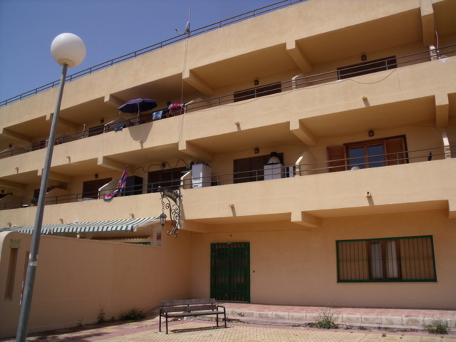 INVESTMENT PROJECT FOR SALE IN TORREVIEJA, OF APARTMENTS FOR RENTAL INCOME.  	The project has 2 one , Spain