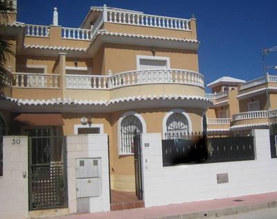 LPERL436: Villa in La Marina