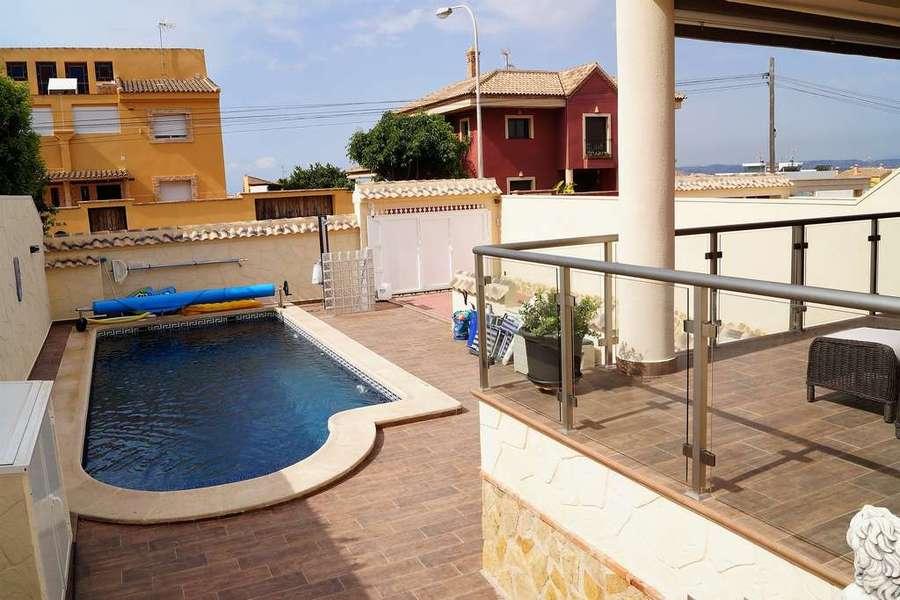 For sale Aguas Nuevas Villa