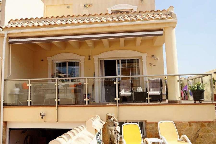 For sale Villa Aguas Nuevas
