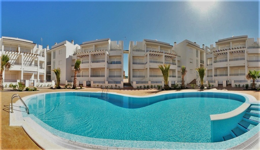 2/3 BEDROOM APARTMENT IN TORREVIEJA.  This property is situated in one of the most quiet residentia,Spain