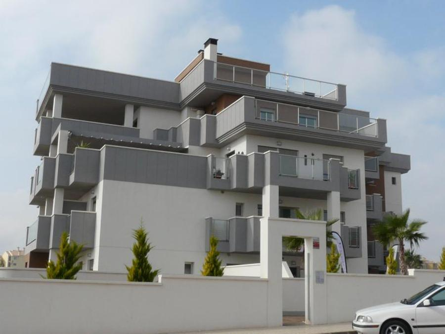 2 BEDROOM APARTMENT IN VILLAMARTIN, ORIHUELA COSTA.  	This new construction  is situated in Isla Cal, Spain