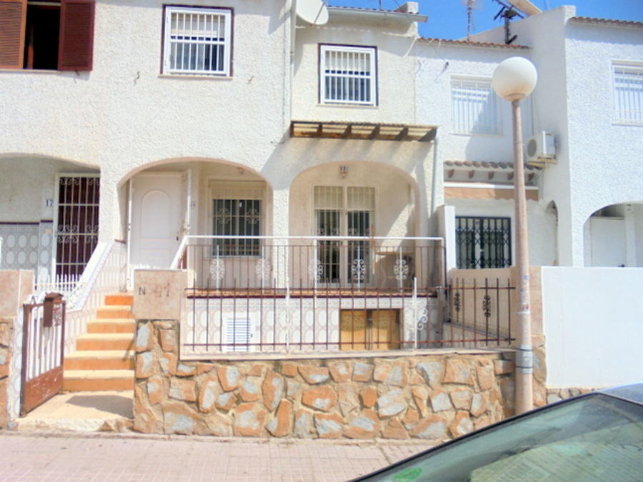 SOUTH FACING 2 BEDROOM TOWNHOUSE IN CALAS BLANCAS, TORREVIEJA.  	This property is completely reforme, Spain