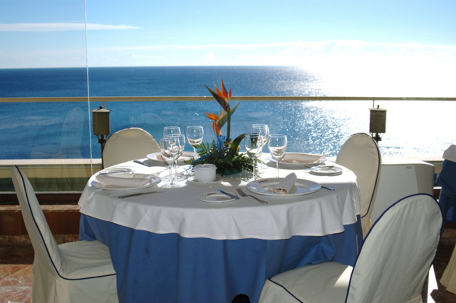 ELEGANT 50 BEDROOM HOTEL ON THE CLIFFS, JUST 15 MINUTES TO THE CENTRE OF TORREVIEJA.  We are please,Spain