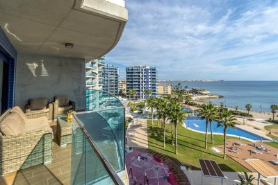 URE3060/6689: Apartment in Torrevieja